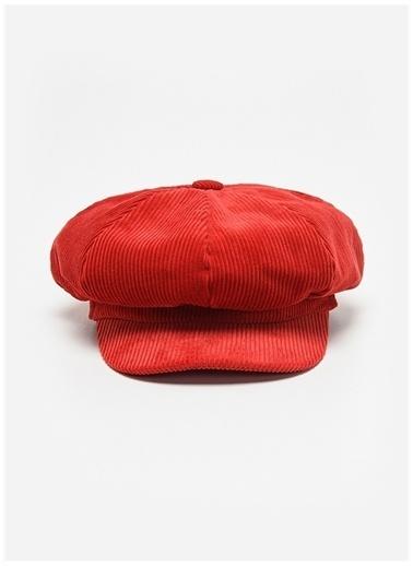 Faraway Şapka Kırmızı